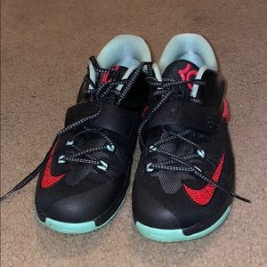 """NIKE KD """"Bad Apples"""" size 7y Gs"""